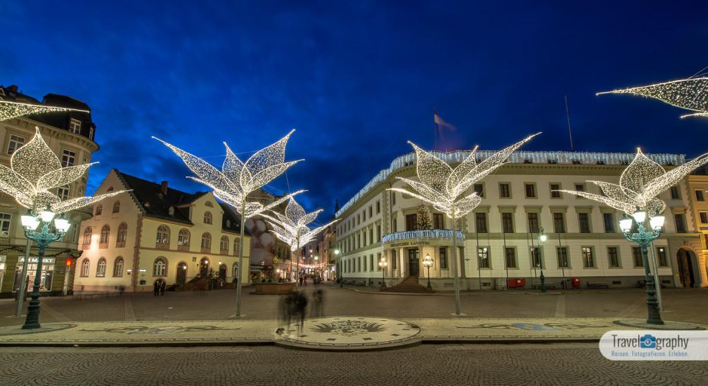 Schloßplatz - Schönsten Fotos Wiesbaden