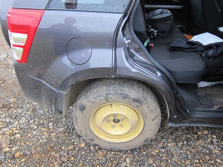 Island Tipp: Nach der Reifenpanne geht's mit Ersatzreifen weiter