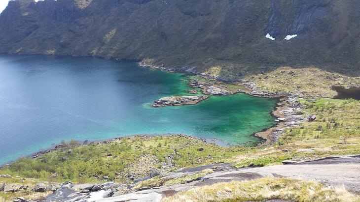 Blick beim Abstieg auf den Djupfjord
