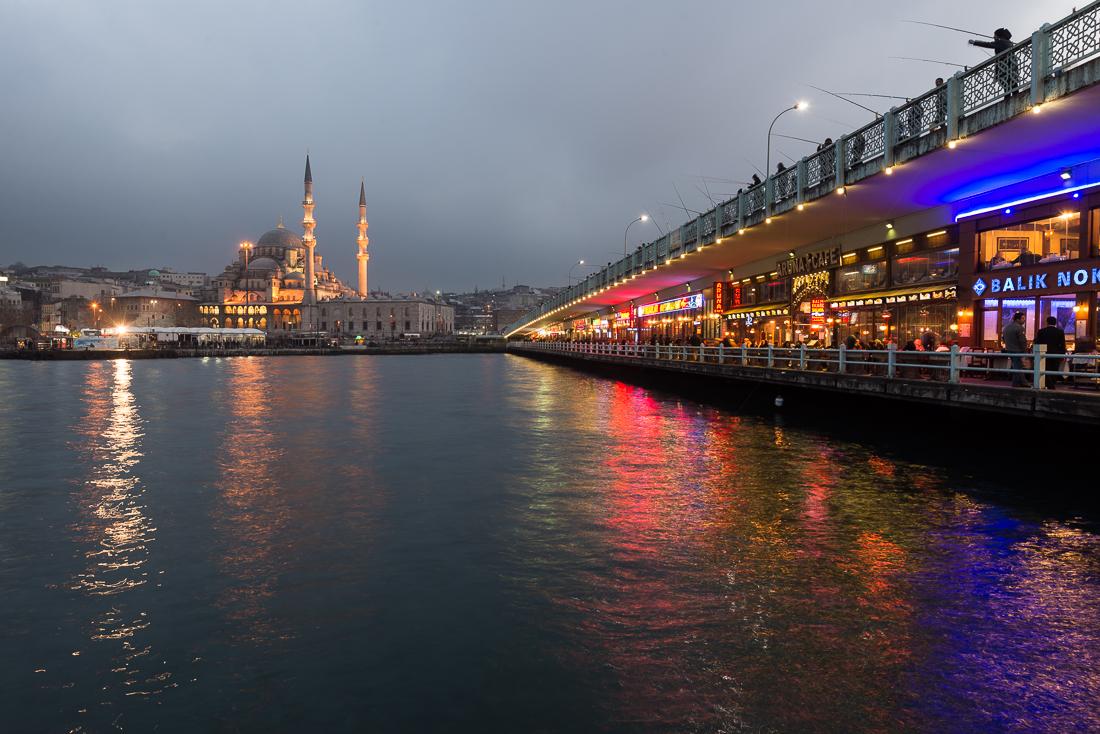 Der Blick auf die Yeni Cami in Eminönü