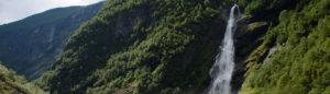 Vettisfossen – Wanderung zu Nordeuropas höchstem Wasserfall