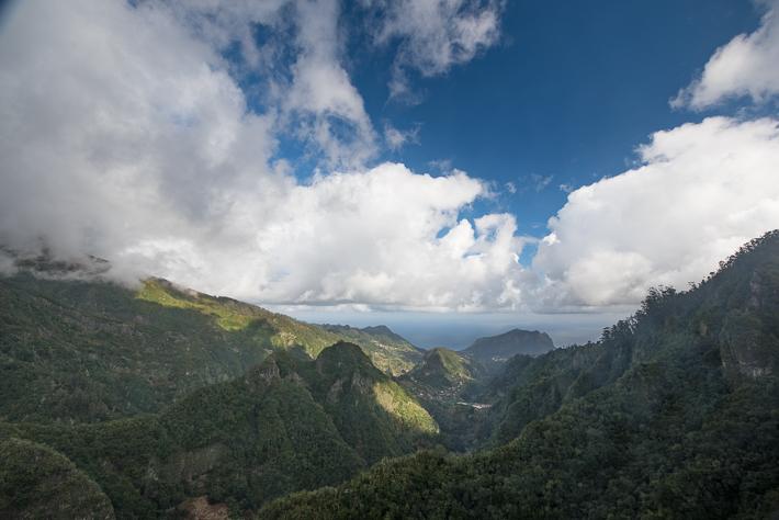 Ausblick auf das Tal Ribeira da Metade