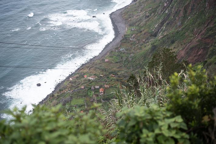 Hier geht's steil hinab: Seilbahn Rocha do Navio