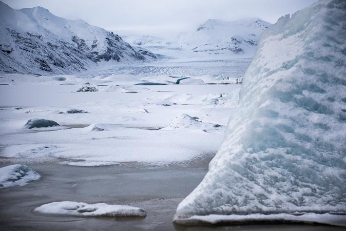 Gletschereis am Ufer des Sees