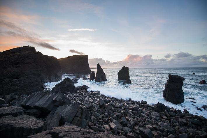 Die Landschaft um Reykjanesviti