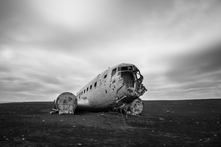 Islands berühmtes Flugzeugwrack - ND1000 Filter - EXIFS: f14, 30 Sek., ISO50, 24mm