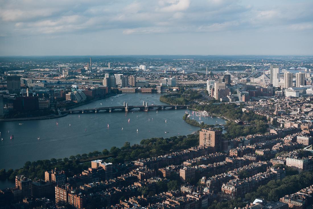 Die Aussicht vom Prudential Tower auf den Charles River