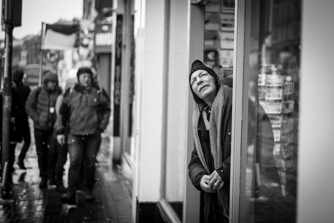 Warten auf besseres Wetter - Dame Street